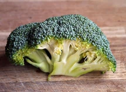 Is Alpha Lipoic Acid a Nootropic - Broccoli on Cutting Board