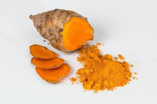 How does Turmeric Help the Brain - Turmeric Root and Powder