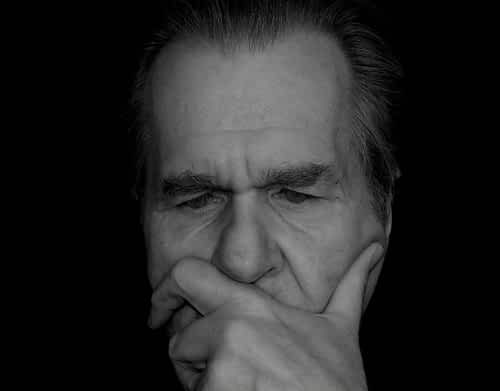 Does Ginkgo Biloba Help Memory - Man trying to Remember